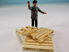 18174-3 dřevěné palety-18x27x5 mm